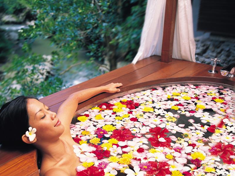 spa-at-maya-flowerbath