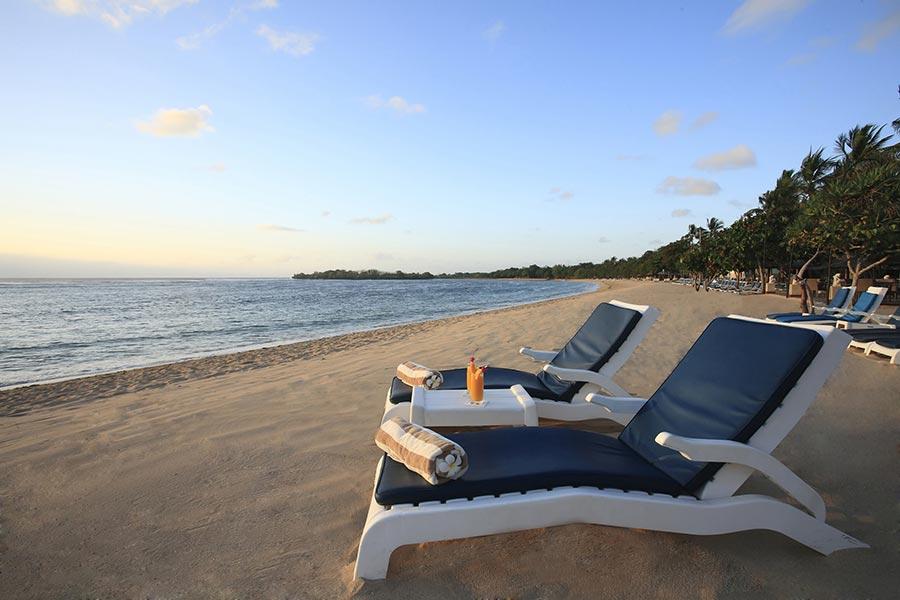 Sunrise-at-Beach