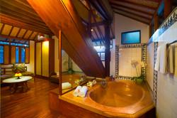Two-Storey-Bungalow-bathtub