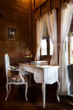 Villa-Wooden-Desk