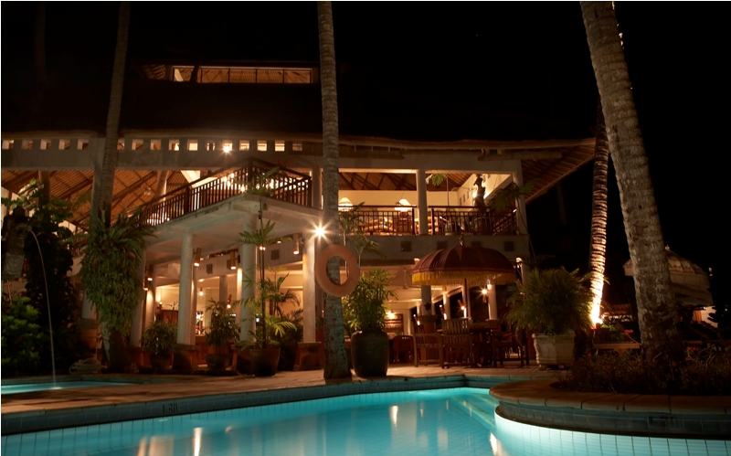 sativa sanur cottages by night