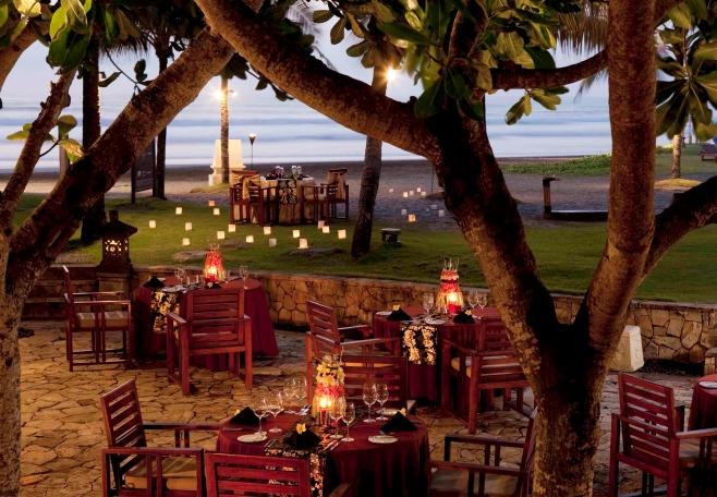 Capris-Restaurant2