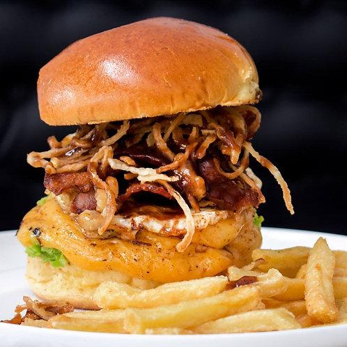Supremo acompanhado de fritas com cheddar e bacon