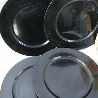 4 black charger plates.jpg