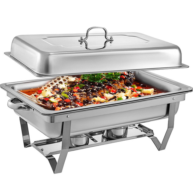 8qt chafer with food.jpg