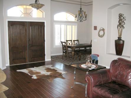 Entrance Livingroom_edited.jpg