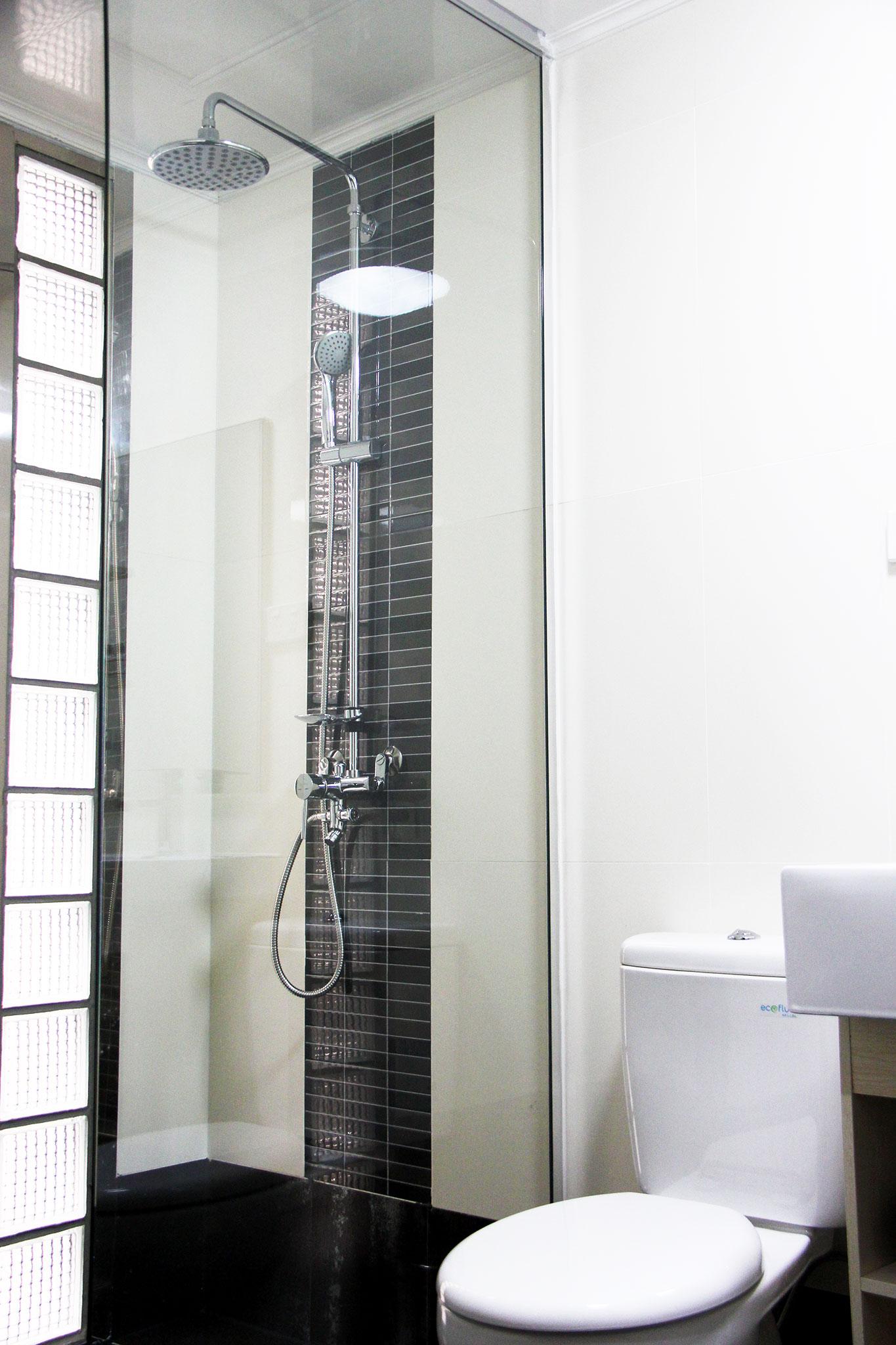 Room Shower Toilet