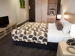 highlander hotel 1.jpg