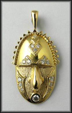 18ct Mask Diamond Pendant