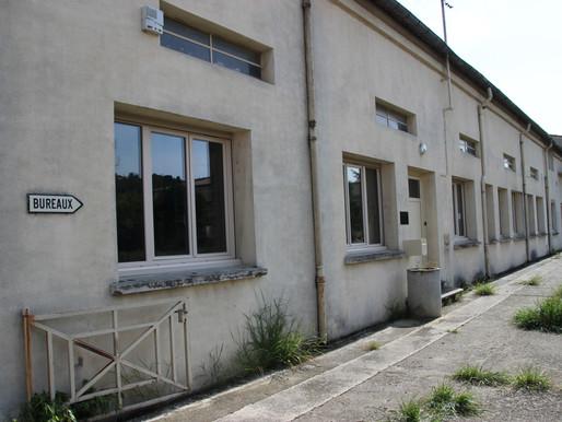 (07/05) Limoux :  La sous préfecture déménage rue du Cougaing en attendant la Maison de l' Etat.