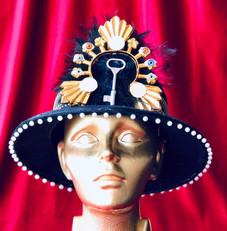 what a hat _ amanda de la rosa