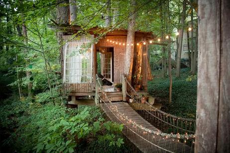 Deco - Un Airbnb dans les arbres!