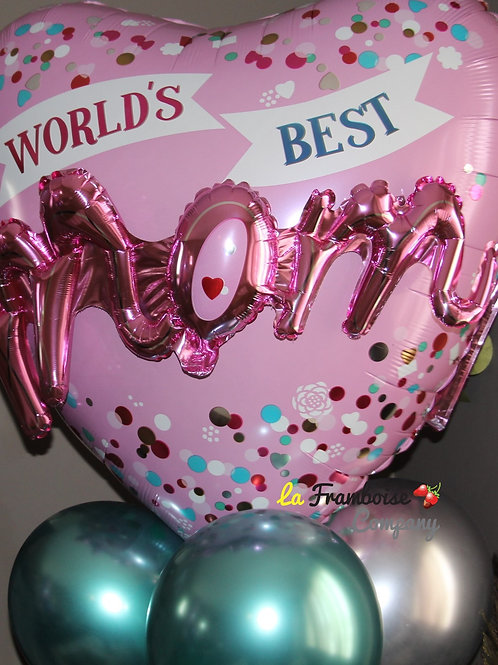 World's Best Mom balloon bouquet