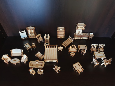 FURNITURE FOR THE DOLLHOUSE
