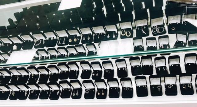 rowofjewelry