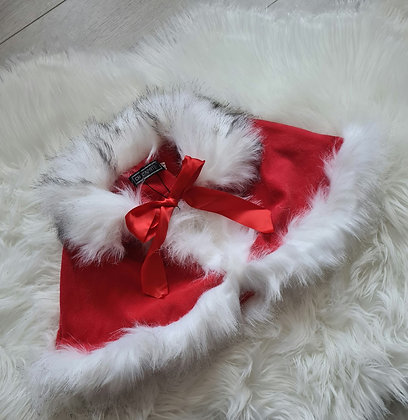 Red & White faux fur shawl