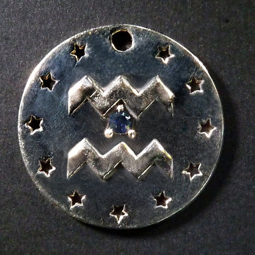 Aquarius Charm - Polished finish