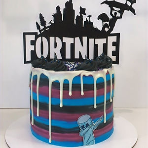 fortnite cake (topper not included)