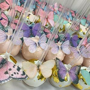 Butterfly cake pops