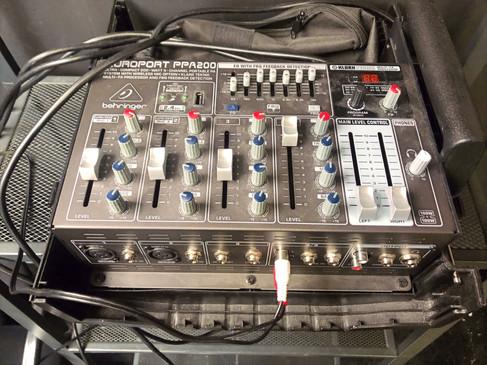 Mesa de sonido sala de ensayo NAVEL ART
