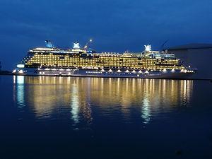cruise-ship-108973_1920.jpg