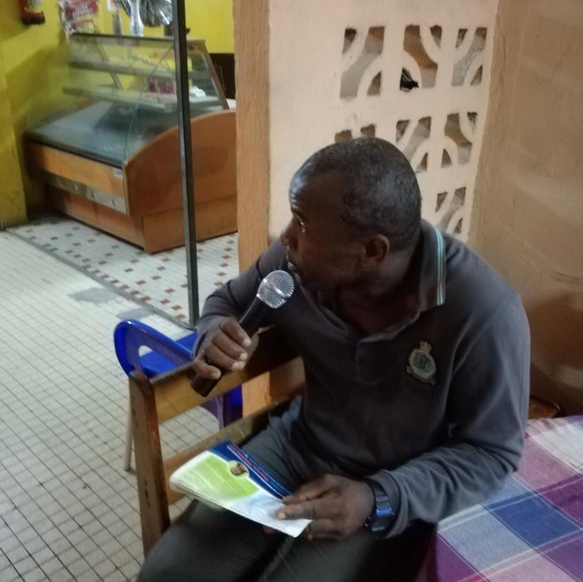 Meeting-débat_Petit_Canal_-_Question_d'un_citoyen