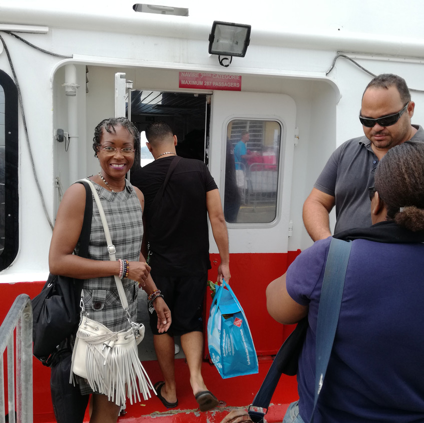 Embarquement_pour_l'île_de_la_Désirade_-