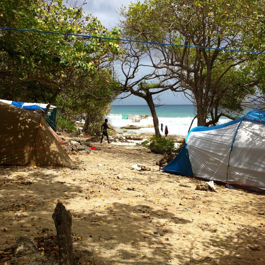 Plage_de_la_coulée_-_Campement