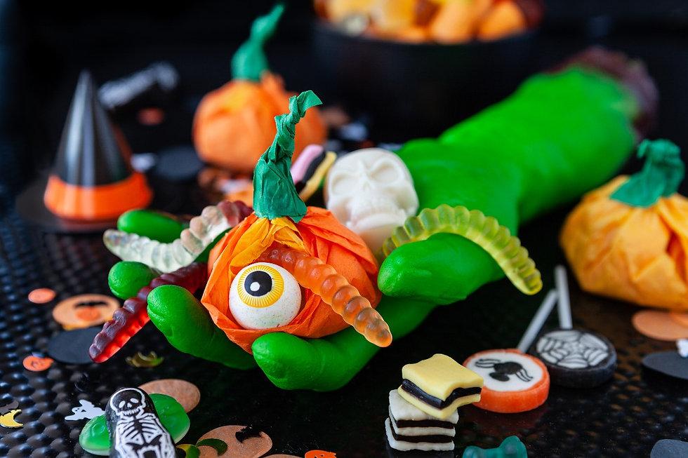 happy-halloween-CNH8K86_edited.jpg