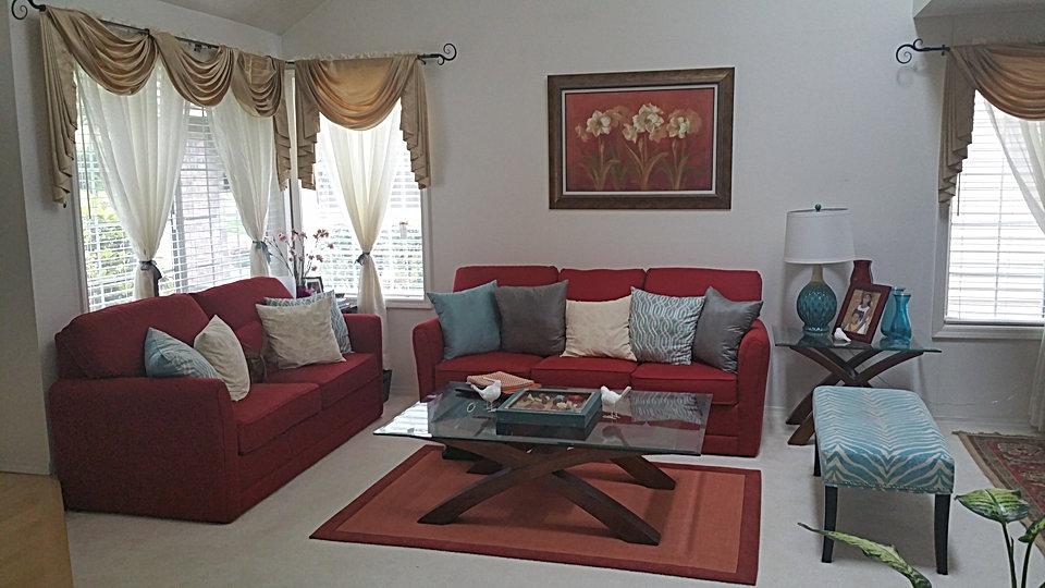 Formal living room before photo .jpg