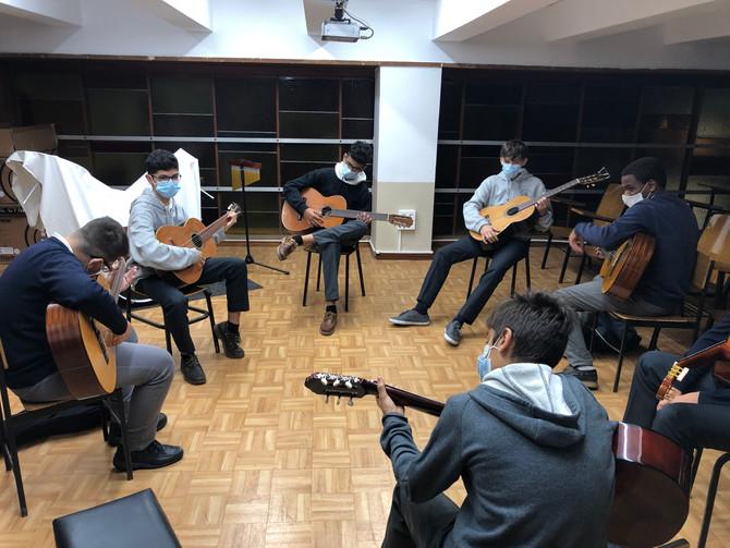 Nuestros alumnos en clase de Música