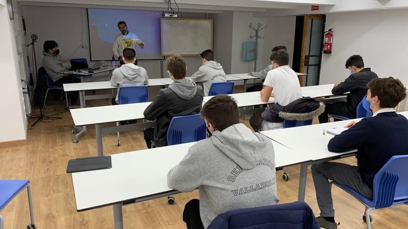 """Comienza el ciclo de charlas para los alumnos de bachillerato """"Bocados de Realidad"""""""