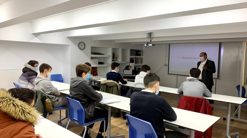 """Nueva charla del ciclo """"Bocados de Realidad"""" a los alumnos de Bachillerato."""