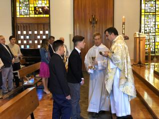 Celebración de la 1ª Comunión de dos alumnos del Colegio Seminario Menor.