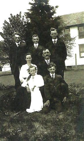 woodworth family.jpg