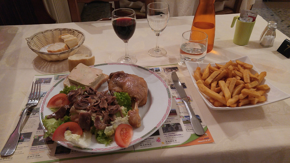 """The """"duck-duck-duck"""" special at the Hôtel Mère Michelet in Confolens. The price was right - the meal was wrong."""