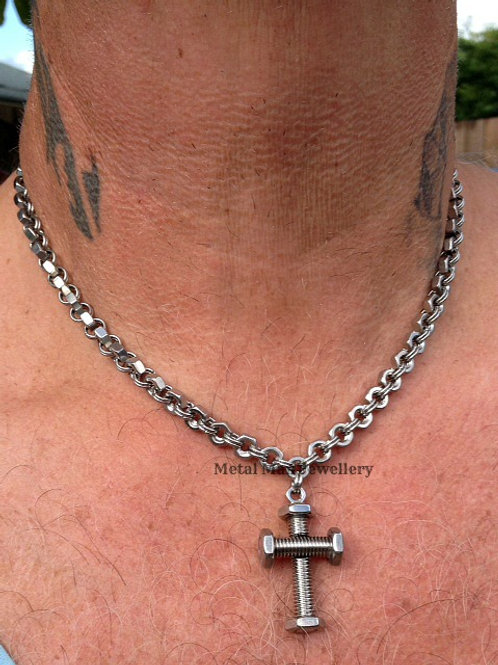 CR2 - Unisex Bolt Cross an M4 hex nut chain