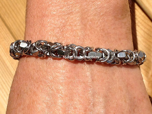 BY8 - Unisex M4 hex nut & chainmaille  bracelet