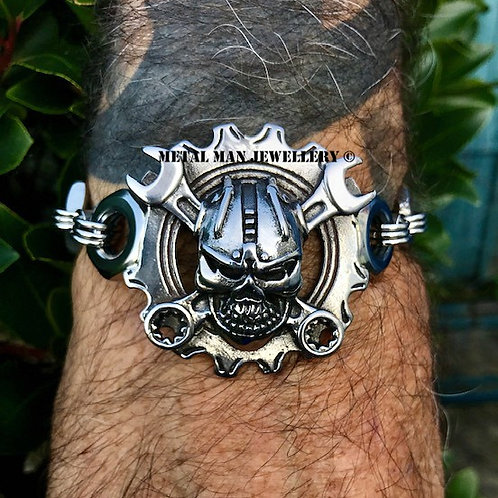 SWR - Skull and wrench bracelet