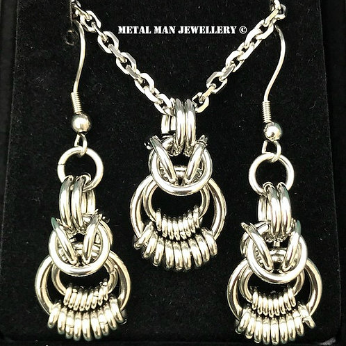 RINGS - Rings on rings necklace and earrings set