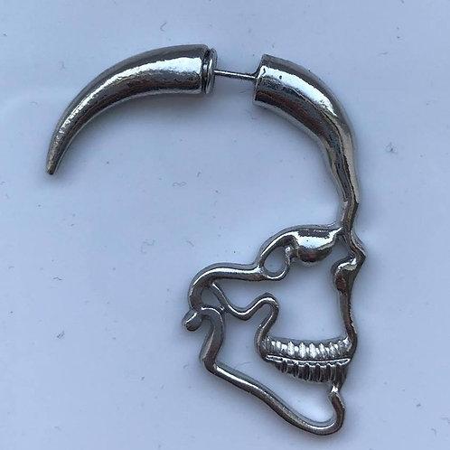 ES Pair of Skull earrings