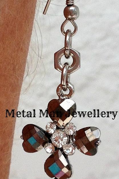 EO - Glass bead cross post earrings