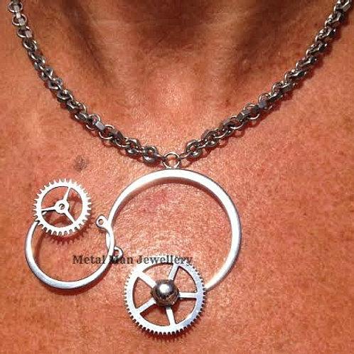 RA3 Retaining rings & gears pendant hex hut chain