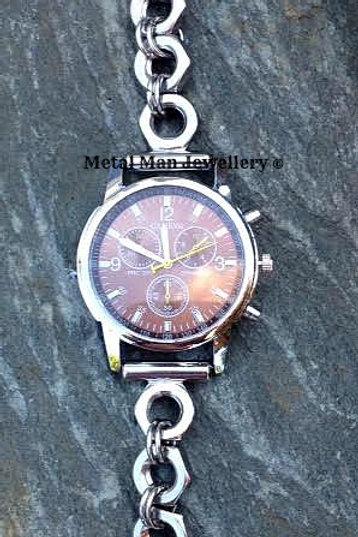 WCM2 - M8 half nut strap, single dial watch