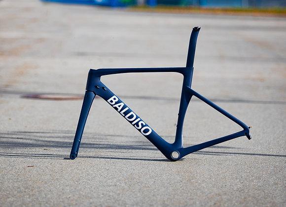 BALDISO Aero-Race Road Bike mit Shimano 105 + Alu Laufräder