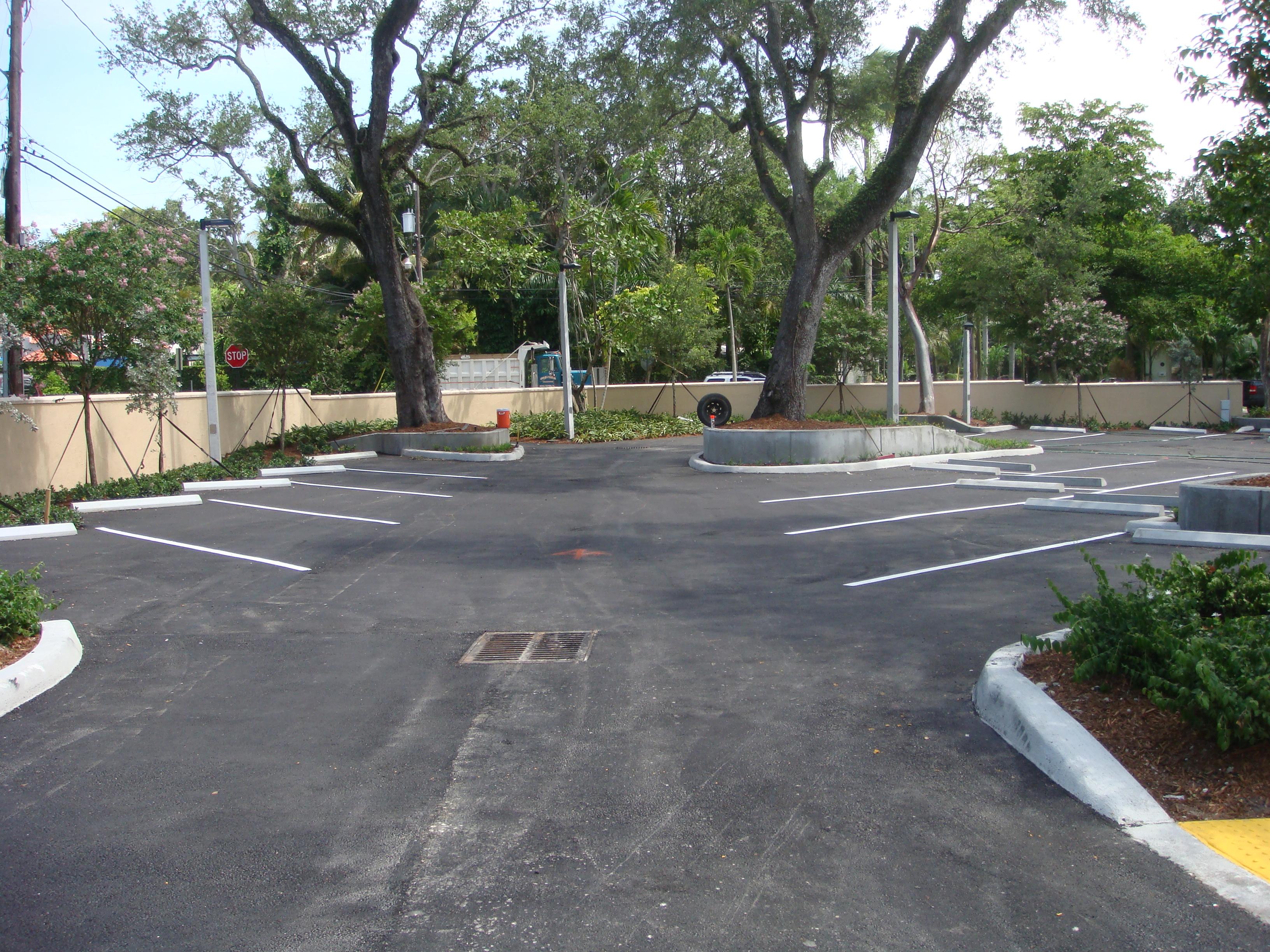 Kindred Health Parking Lot, asphalt