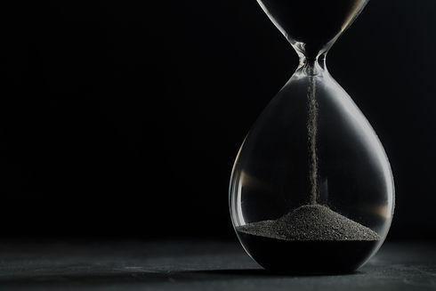 hourglass-dark-background_edited.jpg