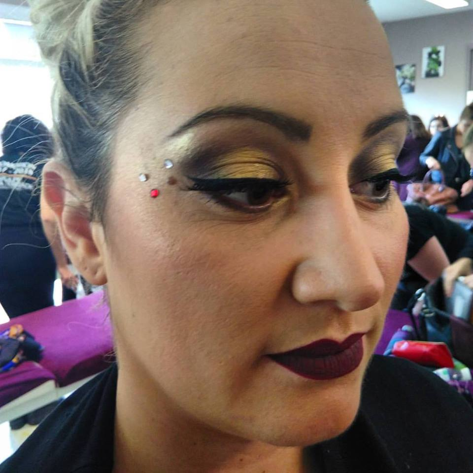 Maquillage soirée (démo école)