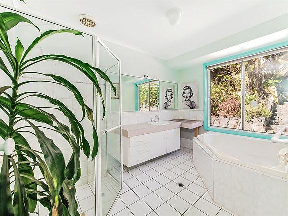 7822625_12_10 Bathroom.jpg