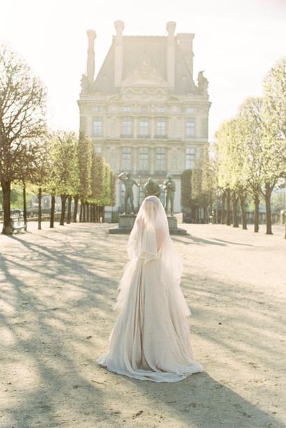 Romantic Paris Elopement | Paris Wedding Planner